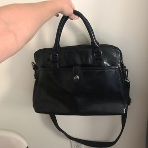 Handbags - BLACK MULTI STRAP PURSE 👜